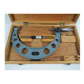 Mitutoyo Digit Outside Micrometer w/ Standard Code # 193-108 175-200mm, .01 mm