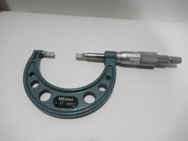 """Mitutoyo Micrometer (1""""-2"""") with case"""