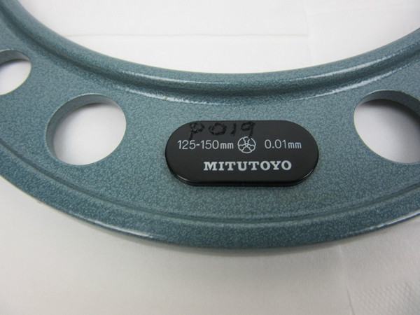 MITUTOYO-193-106-Digit-Outside-Micrometer-100-125-mm-01-mm-with-case