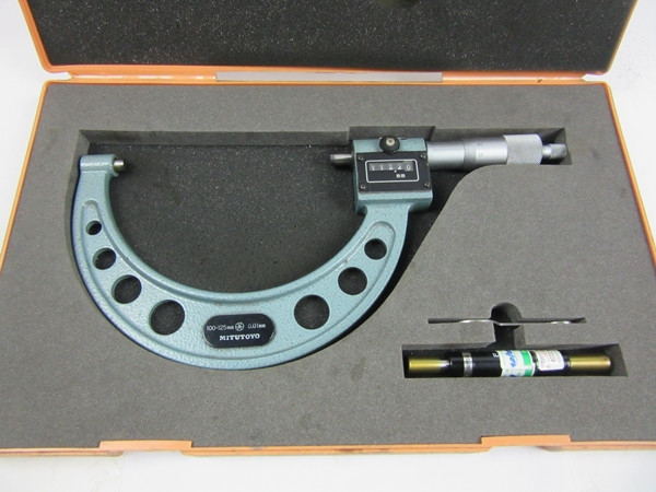 MITUTOYO Digit Outside Micrometer, 100-125 mm, .01 mm with case